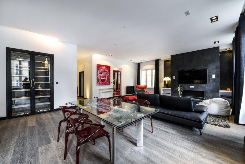 BORDEAUX – TRIANGLE D'OR – Appartement de Prestige