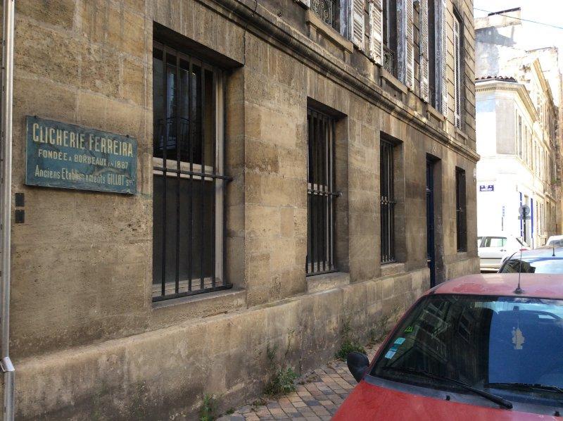 BORDEAUX – RARE PLATEAU à Réhabiliter – Idéal Investisseur