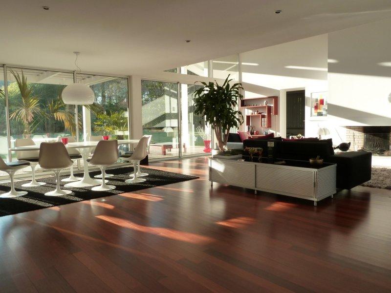 BORDEAUX – Magnifique Maison de 300m2 avec Grand Jardin