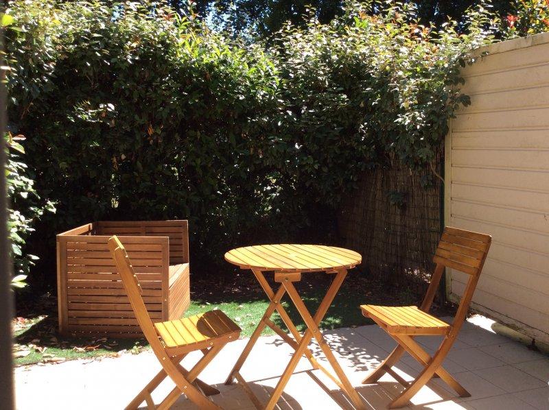 Arès – Charmante maison T3 duplex avec jardin
